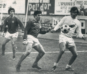 Bernard Guignedoux en duel (source : paris archives football)