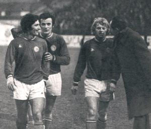 La joie des parisiens Rostagni, Bras et Solas (source : paris archives football)