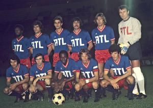 l'équipe victorieuse face à Angers. Debout : Laposte, Novi, Renaut, Cardiet, Bauda, Pantelic. Assis : Poli, Floch, M'Pelé, Dogliani, Dahleb