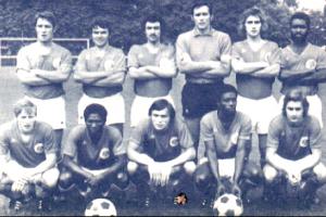 L'équipe victorieuse face à Concarneau. Debout : Béreau, Béhier, Turpin, Choquier, Schmitt, Dossevi. Assis : Brost, André, Marella, Laposte, Renaut