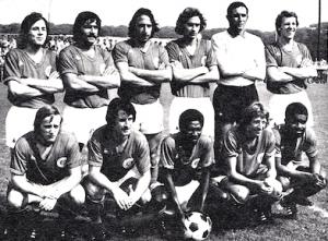 L'équipe face à Toulouse. Debout : Dumot, Cardiet, Leonetti, Renaut, Choquier, Ledunois Assis : Brost, Deloffre, André, Dogliani, Dossevi.