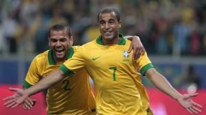 Daniel Alves et Lucas Moura sous le maillot du Brésil