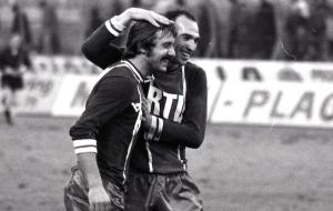 Carlos Bianchi félicite le héros du jour, Hervé Porquet