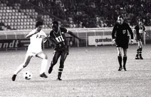 M'Pelé en action