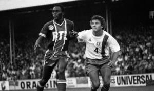 François M'Pelé en duel