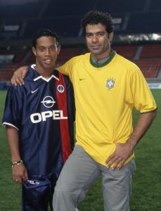 Ronaldinho et Raï : deux champions du monde au PSG