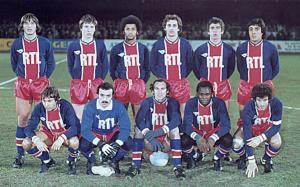 l'équipe du PSG à Sochaux. Debout : Pilorget, Morin, Lokoli, Renaut, F.Brisson, Heredia. Assis : Redon, Bernard, Bianchi, M'Pelé, Dahleb