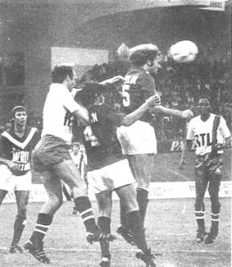 Bianchi au duel face à la défense bordelaise