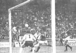 Le PSG et M'Pelé à l'attaque