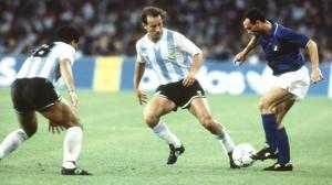 Gaby Calderon face aux Italiens en 1990