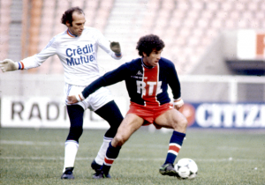 Dahleb en duel avec le Strasbourgeois Carlos Bianchi