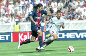 Yepes et le PSG s'imposent face à Toulouse en 2005 : la dernière saison où Paris a fait le plein de points en L1