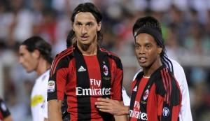 Ibrahimovic et Ronaldinho, partenaires au Milan AC