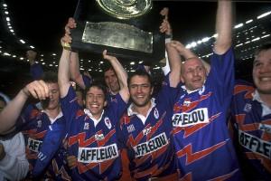 """la joie du Stade Français, avec le logo """"PSG Rugby"""" sur le maillot"""