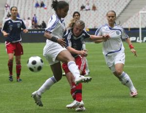 Candice Prévost en duel face à Laura Georges