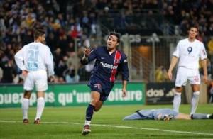 la joie de Fiorèse après le but de la victoire à Marseille en novembre 2003