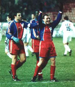 Guérin, premier buteur du PSG lors des débuts du clu  en Coupe de la Ligue contre Auxerre en 1995