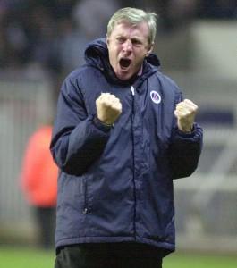 """le """"showman"""" Luis Fernandez, l'entraîneur le plus capé au PSG"""