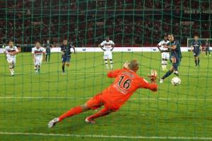 le premier penalty d'Ibra, face à Lorient
