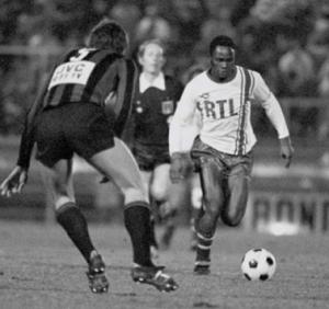 M'Pelé face à Nice, au stade du Ray