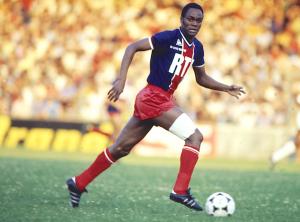 M'Pelé, numéro 34