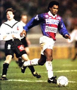 Valdo face à Angers lors de la saison 1993-1994