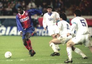 Weah (ici face au Real : 33 matches sans défaite en 1993-1994 !