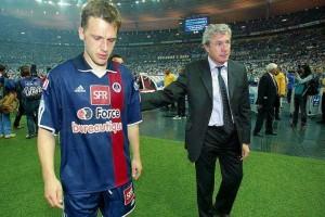 le seul match sans aucun succès par Paris (ici Pedron et Fernandez) en 2003 contre Auxerre