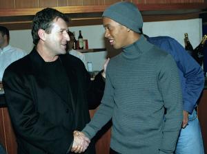 Susic et Ronaldinho dépassés par Cavani ?