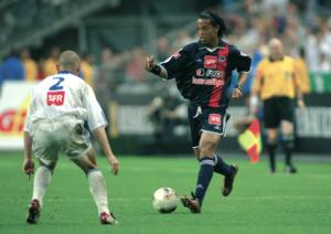 2003 : finale perdue pour le PSG et Ronaldinho face à Auxerre