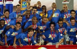 2007 : la joie d'Alex (en haut à droite)