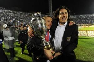 Cavani, blessé puis victorieux en 2011