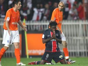 Luyindula a beau prier, le PSG est vaincu par Grenoble en 2008