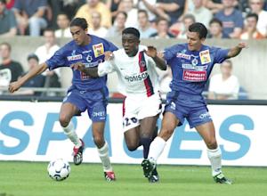 Ogbeche lors de la saison 2003-2004 face aux Corses