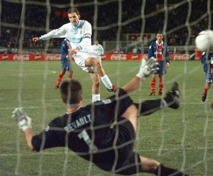 1996, penalty transformé par un certain... Laurent Blanc