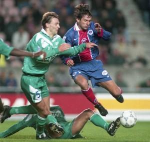 Leonardo au duel le 13 novembre 1996 (3-1 pour le PSG)
