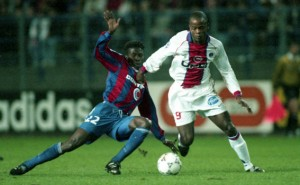 Dely Valdes part en dribble