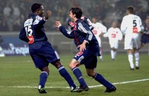 la joie d'Ogbeche et Benachour contre Troyes : Paris revient de l'enfer en 2004