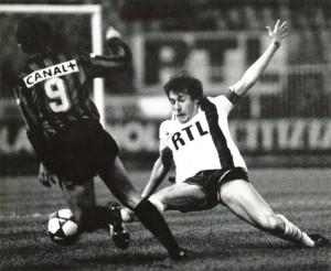 capitaine Luis Fernandez en action