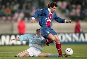 le PSG de Marc Simone invaincu face à Strasbourg