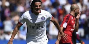Cavani, buteur lors du premier PSG-Lyon de la saison
