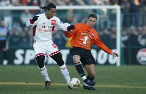 Ronaldinho, décisif face à Laval