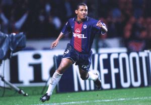 Vampeta, recrue hivernale d'un PSG chamboulé en 2000-2001