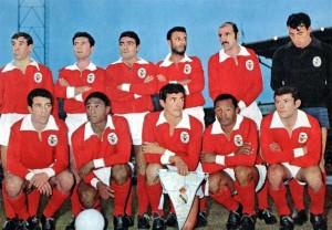 le Benfica avec Cruz et la star Eusebio