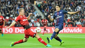 Cavani contre Dijon lors de la victoire du PSG (3-0) en 2016-2017