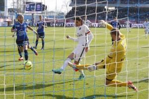le but en deux-temps de Cavani à Troyes la saison dernière