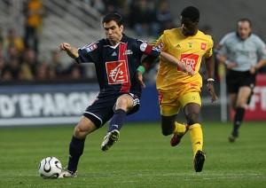 Pauleta en duel face à Nantes en 2006