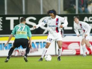le dernier match joué à 18h30 en L1 à l'extérieur pour le PSG : à Sedan... en 2002 !