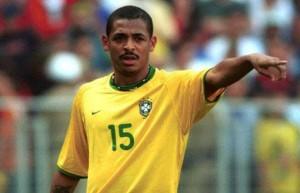 Vampeta sous le maillot du Brésil