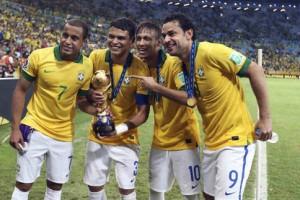Lucas et Thiago Silva victorieux en 2013